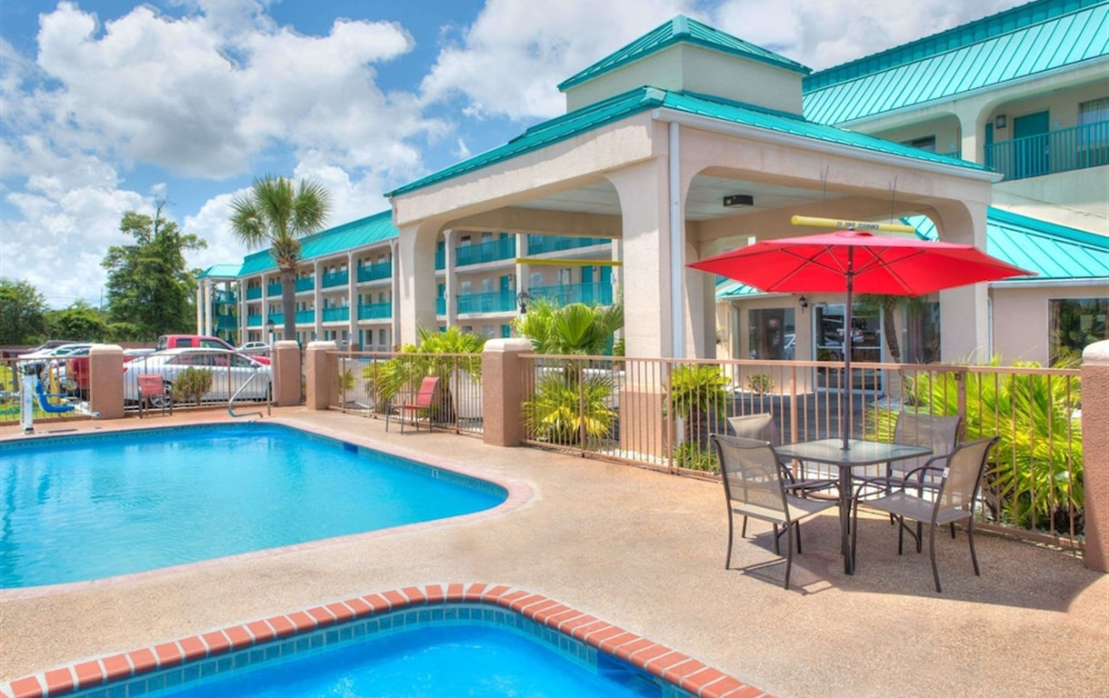 Hotel Days Inn By Wyndham Gulfport Biloxi Ms United States Sembo