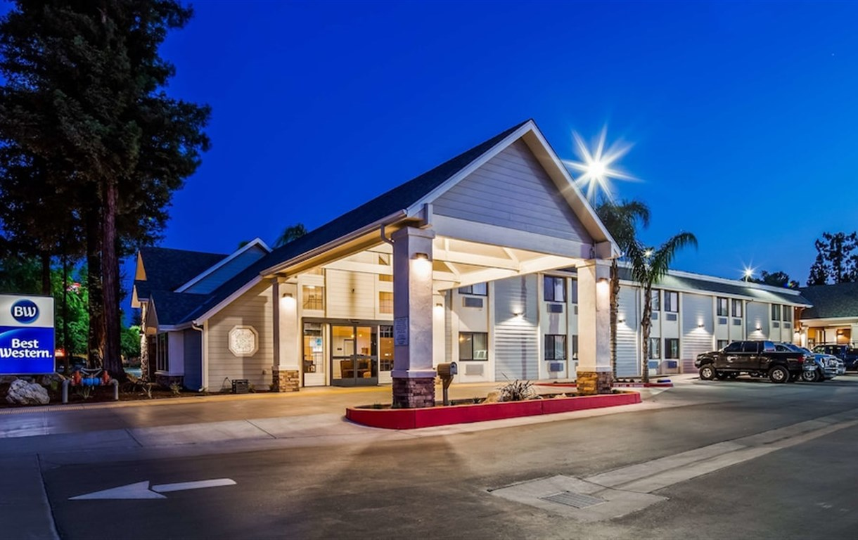 Best Western Town & Country Lodge