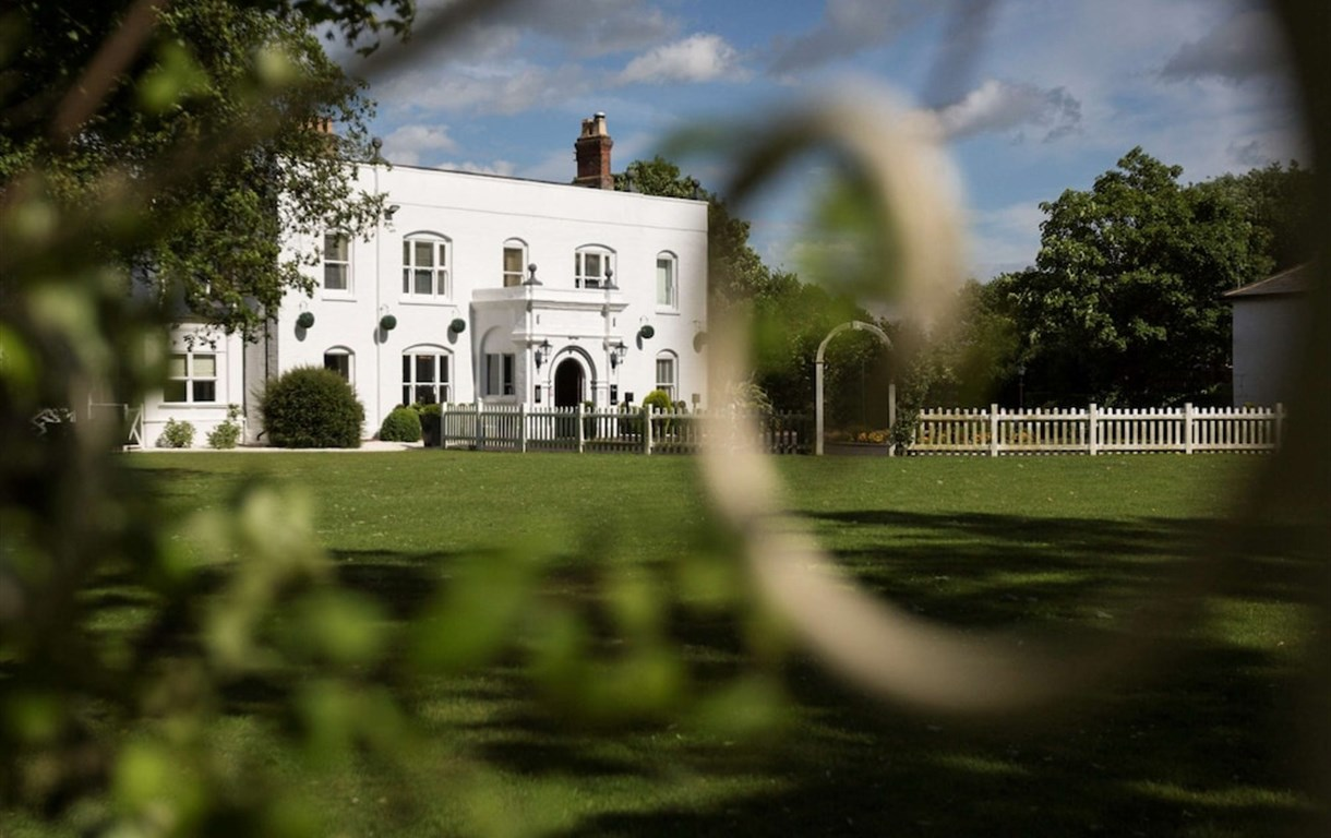 Woughton House - MGallery