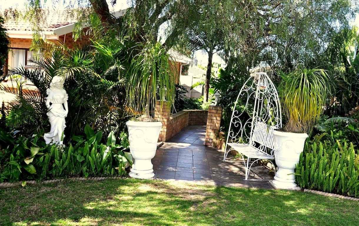 Cape Wine Route Guesthouse