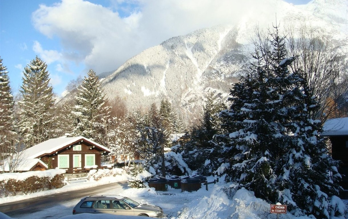 Chalet With 3 Bedrooms In Chamonix-Mont-Blanc, With Wonderful Mountain View, Furnished Terrace And Wifi - 200 M From The Slopes