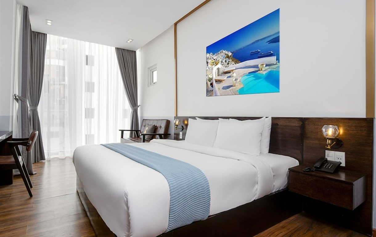 Chill Suites Danang Beach Hotel