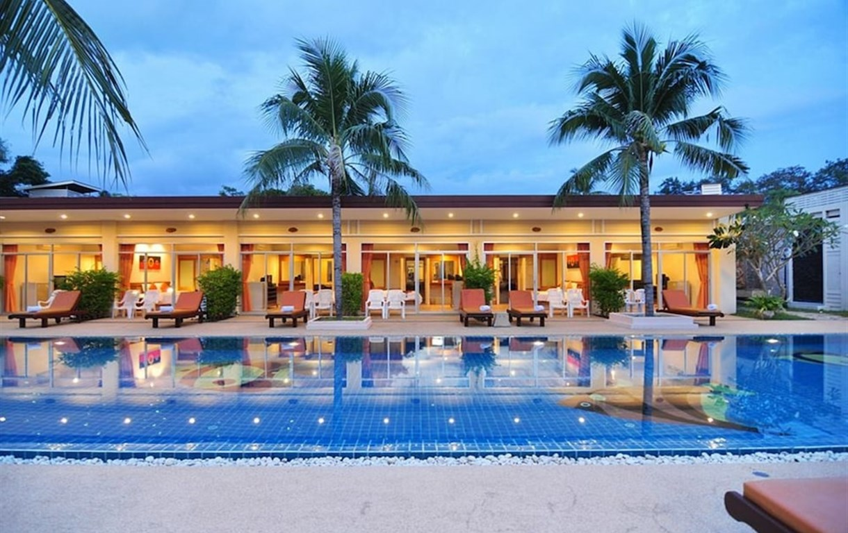 Phuket Sea Resort By Benya