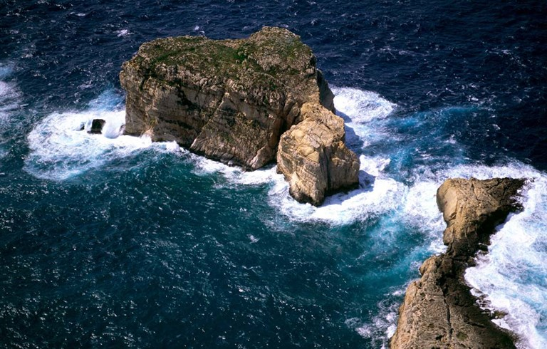 malta accommodation hotels and apartments for people who want to travel to malta