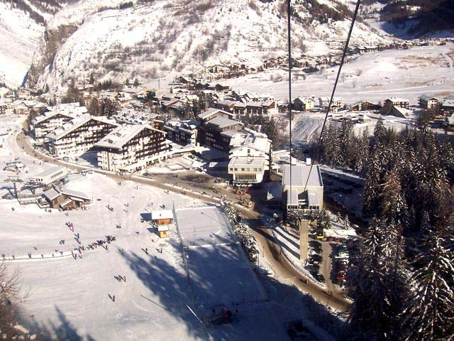 La Thuile - hotel and accommodation for your holiday by car or by plane.