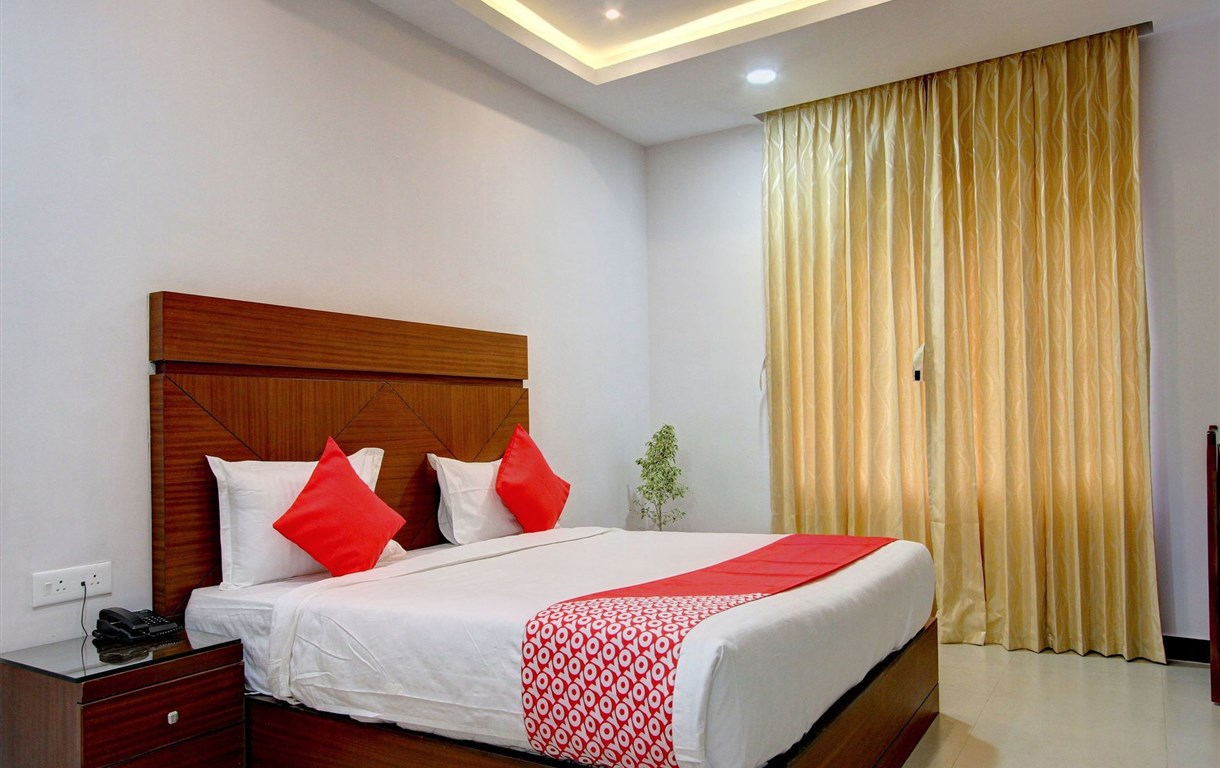 OYO 15703 Dream Star Paradise