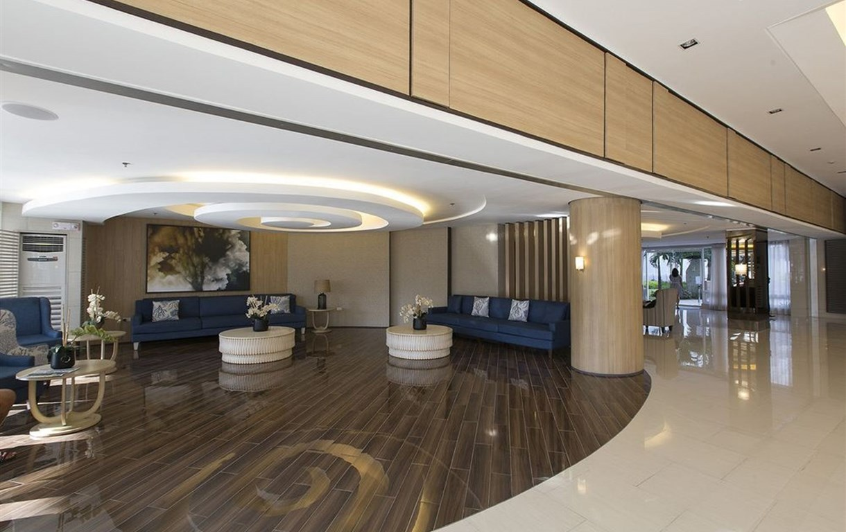 Jona's Place At Shell Residences