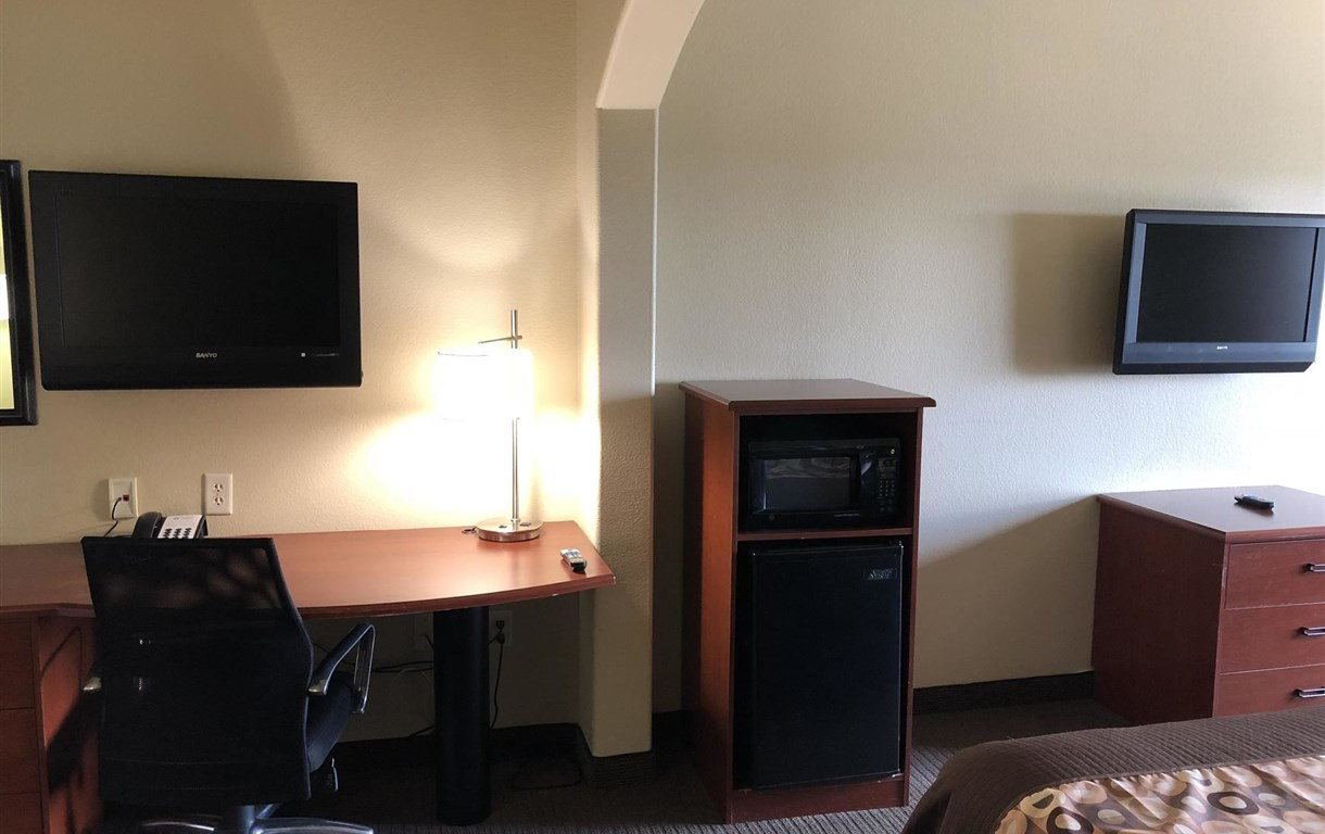 Surestay Plus Hotel By Best Western San Antonio Seaworld