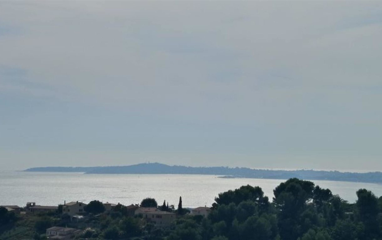 Studio In Cagnes-Sur-Mer, With Wonderful Sea View, Pool Access, Enclos