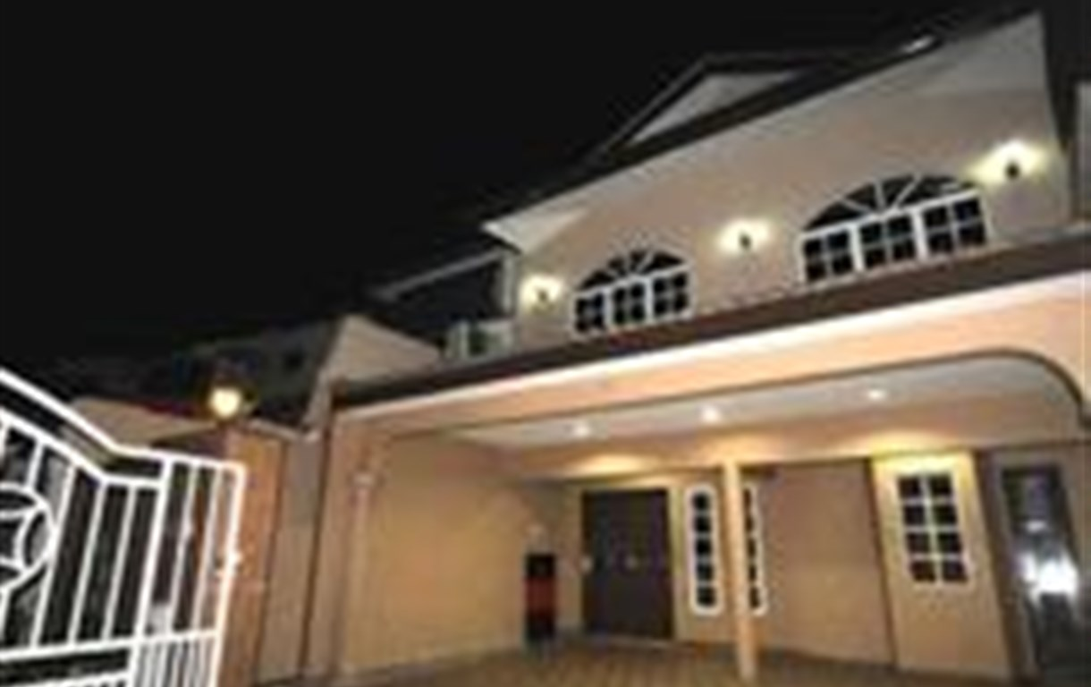 Leisure Home Stay - Gemilang